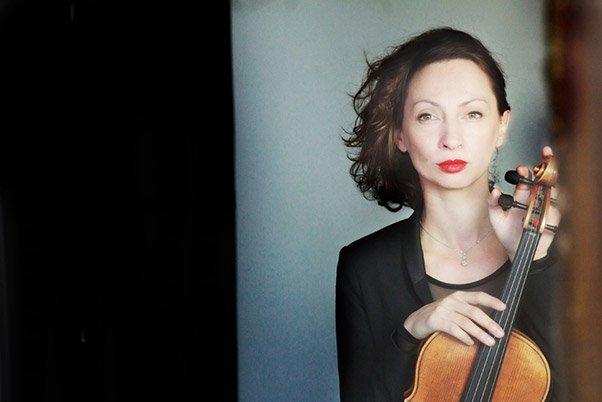 Musicienne par Béatrice Cruveiller, photographe professionnelle à Paris